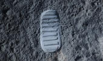 Lidské stopy na Měsíci zůstanou tisíce let