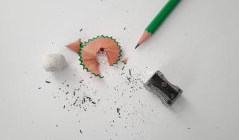 Jak dlouhou čáru lze nakreslit obyčejnou tužkou?