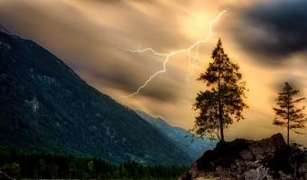 Pravěcí lidé čekali na bouřku jak na smilování