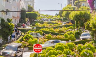Lombard Street – Nejklikatější silnice na světě